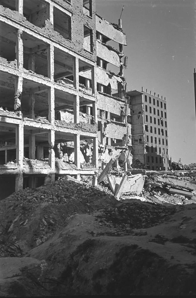Ruinas de la Ciudad Universitaria de Madrid posguerra