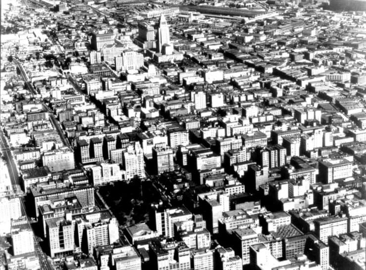 Vista aérea de Los Angeles - reseña El sueño eterno